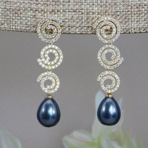 Gold Earrings with Crystals and Black Pearl